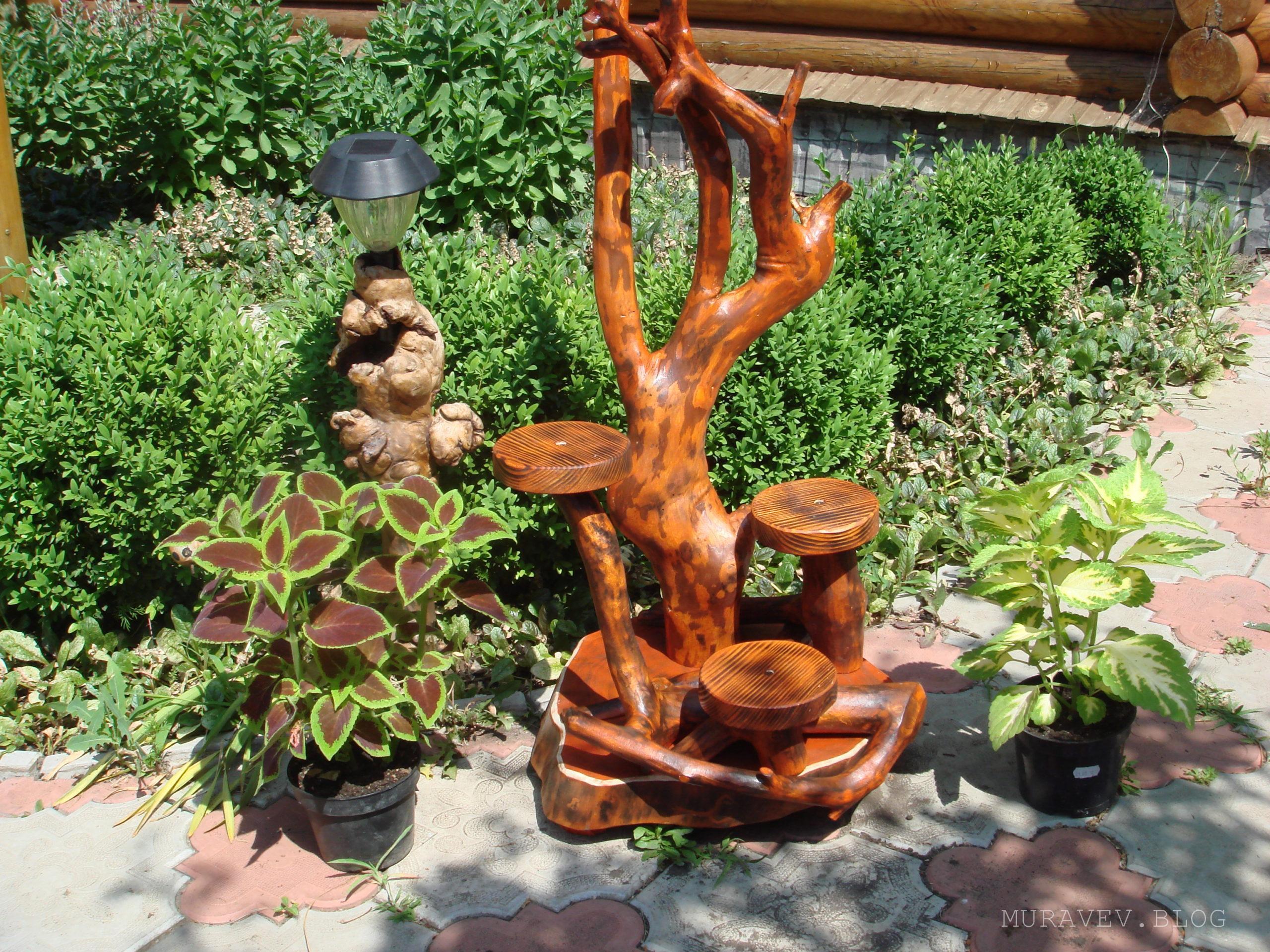 Подставка уличная из дерева для цветов