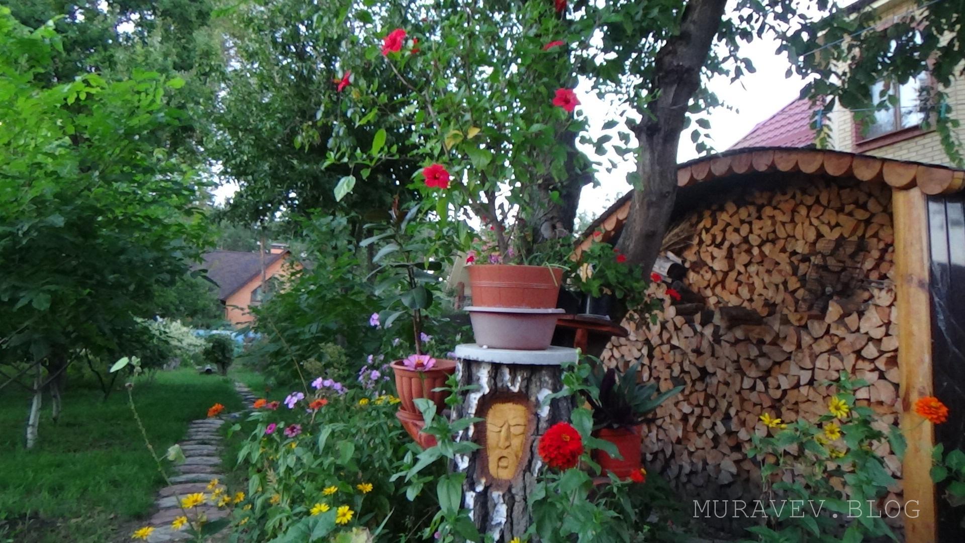 подставка под цветы своими руками из подручных материалов