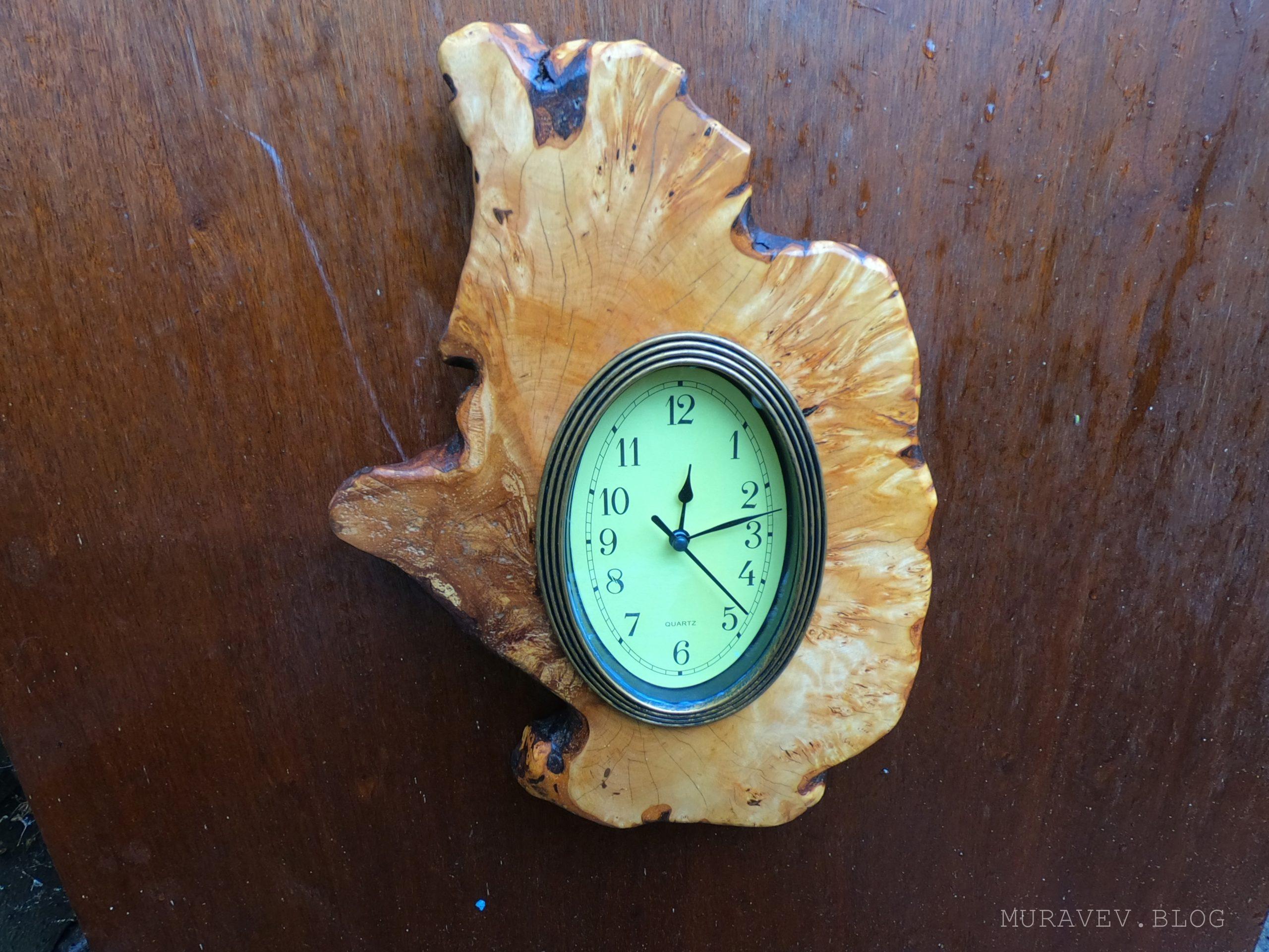 Часы под стеклом в деревянном обрамлении своими руками